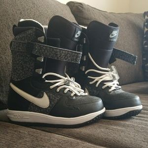 Nike Zoom Force 1 (W SZ 6)